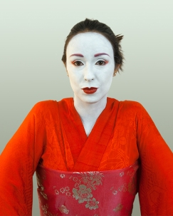 RedKimono-Juliana-copyright-Lis-Fields-2014-web